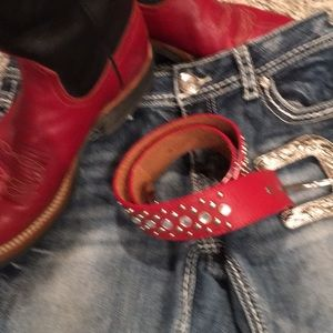 🎉 3 for $10🎉 EUC Red 3-D western Belt 32 in
